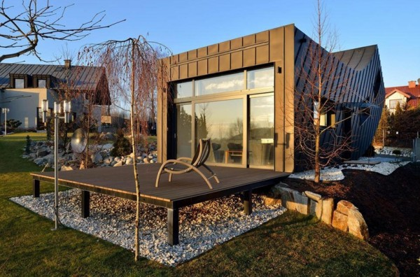 Arabic Exterior Design additionally Modern Steel Houses together with Casa Linda further Stock Images Contemporary Kitchen Natural Stone Worktop Tiles Whi Fully Fitted White Modern Chrome Appliances Image35898054 moreover Royalty Free Stock Image Modern Home Interior Sofa Paintings D Near Beige Wall Three Floor L  Image39049176. on contemporary house plans